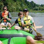 spływ pontonowy dla szkół, spływy pontonowe dla dzieci, bezpieczne spływy w Bieszczadach, atrakcje Bieszczady dla szkół