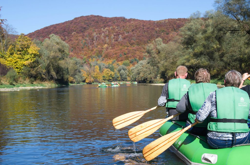 spływy pontonowe dla seniorów, Bieszczady spływy dla grup zorganizowanych, atrakcje dla grup Bieszczady