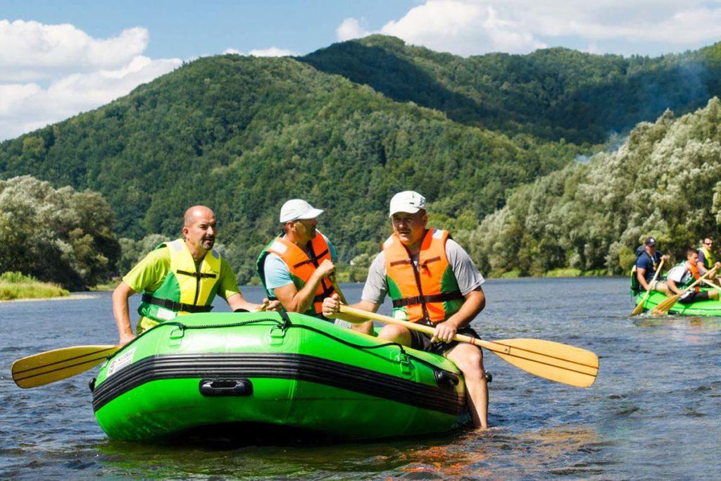 wycieczka-splywy-pontonowe-bieszczady-dla grup-zielony-ponton-3-