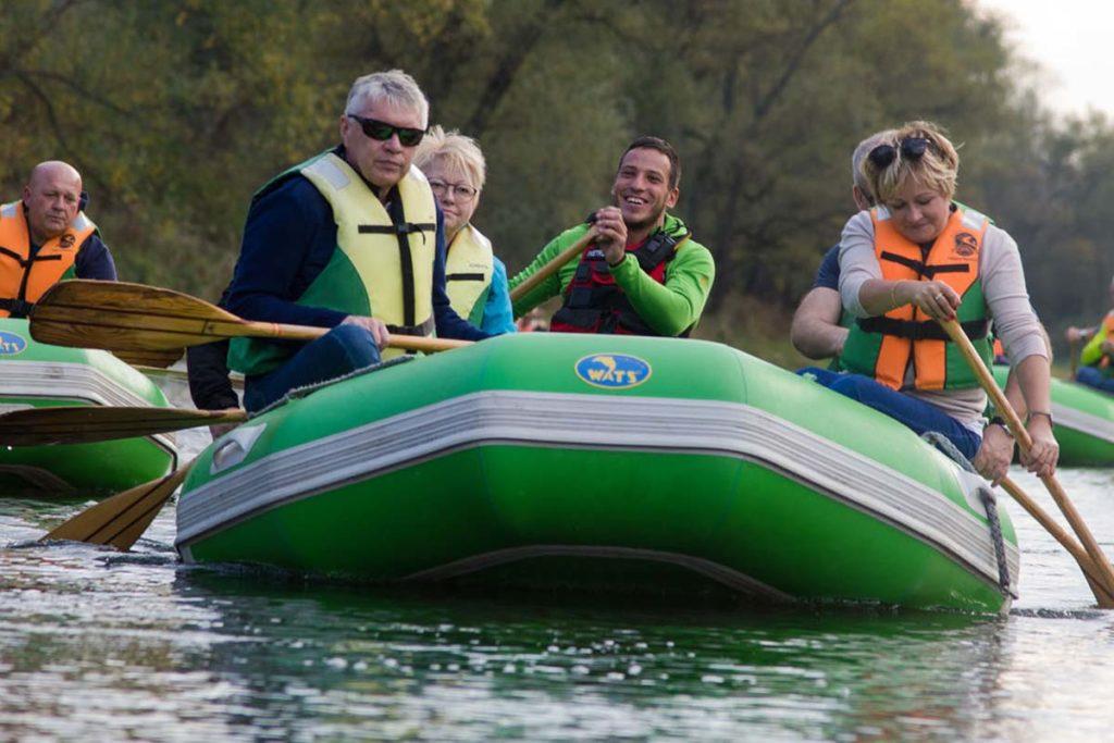 wycieczka-splywy-pontonowe-bieszczady-dla grup-zielony-ponton-4-