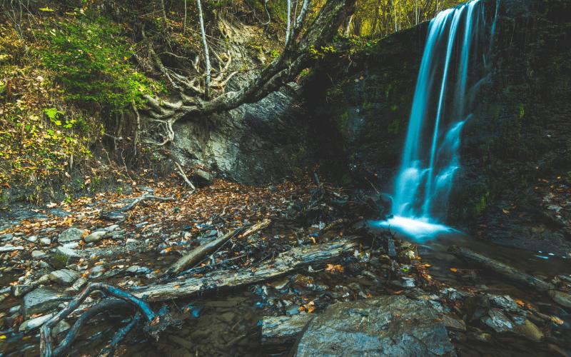 Dzikie Bieszczady - wodospad.