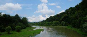 Organizator spływów Sanem gwarantuje piękne widoki.