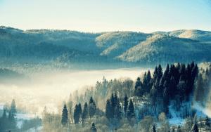 Piękne szczyty w Bieszczadach.