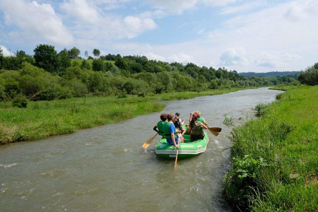 Spływy Sanem to atrakcja dla całej rodziny.