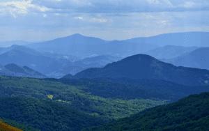 Szczyty w Bieszczadach - panorama.