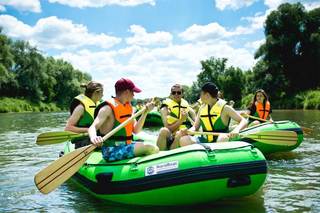 wycieczki-szkolne-bieszczady-atrakcje-san-zielony-ponton-2