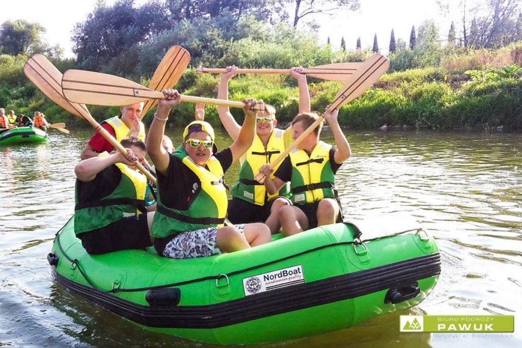 wycieczki-szkolne-bieszczady-atrakcje-san-zielony-ponton-4