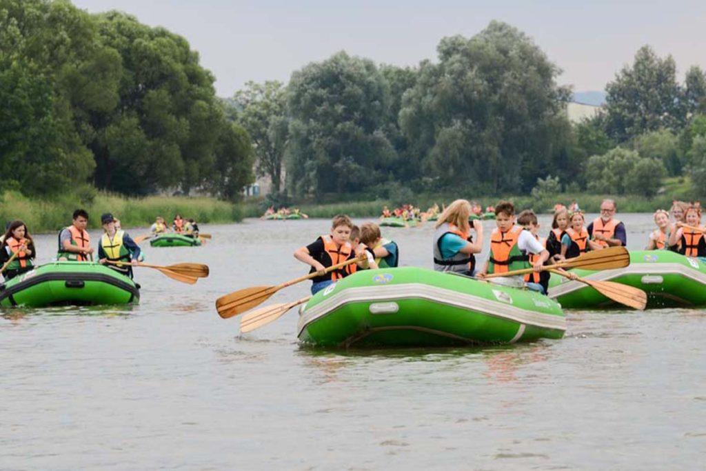 wycieczki-szkolne-bieszczady-atrakcje-san-zielony-ponton-5